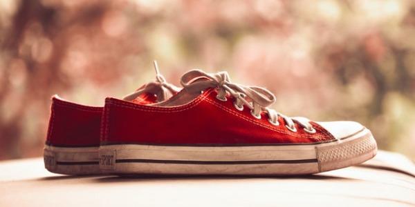 ¿Cómo limpiar zapatos de tela?